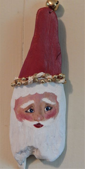 driftwood_santa_9_inches_gold_trim_hat_120