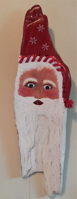 driftwood_santa_17_inches_red_and_sequin_hat_120